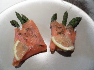 Asperges vertes au saumon fumé